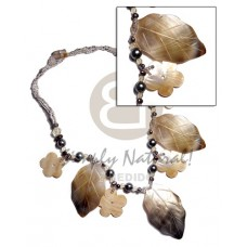 Black Lip Shell Leaves Pearls Glass Beads 30 mm 35 mm Mother-Of-Pearl Shell Necklace BFJ2849NK