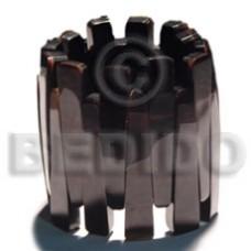 Black Black Tab Shell Resin Backing Elastic 58 mm Bangles - Shell Bangles BFJ015BL