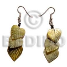 Black Lip Shell Dangling Heart 20 mm Black Shell Earrings BFJ5093ER