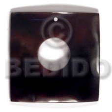 Black Tab Shell 40 mm Square Black Pendants - Simple Cuts BFJ6230P