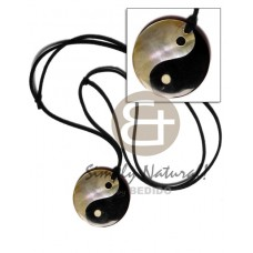 Black Tab Shell 40 mm Yin Yang Leather Mother-Of-Pearl Shell Necklace BFJ1405NK
