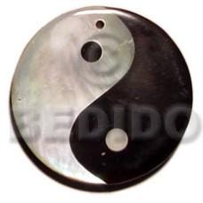 Black Tab Shell Kabibe Shell Round 40 mm Yin Yang Pendants - Shell Pendants BFJ5149P