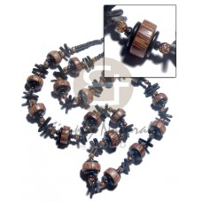 Brown Lip Shell Mahogany 75 mm Teardrop Wax Cord Stones Shell Necklace BFJ2921NK