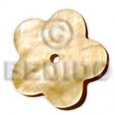 Natural Mother-Of-Pearl Scallop 40 mm Natural Pendants - Shell Pendants BFJ5006P
