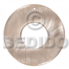 Hammer Shell 40 mm Natural Ring Pendants - Simple Cuts BFJ6205P