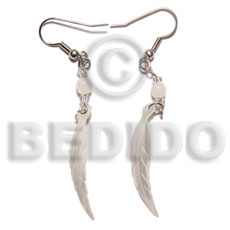 Hammer Shell Dangling Leaf 40 mm White Shell Earrings BFJ5019ER